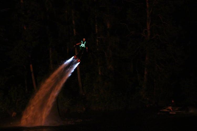 LED tuledes lendaja